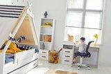 optie tentbed boekenkast en buro stoel