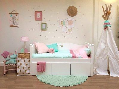 lilli furniture peuter bedbank Emma met hartje en 3 opberglade + uitval plank 70x150 wit