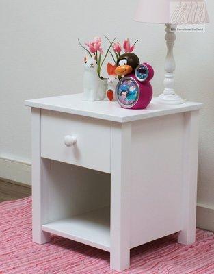 lilli furniture nachtkastje Nanne met lade wit