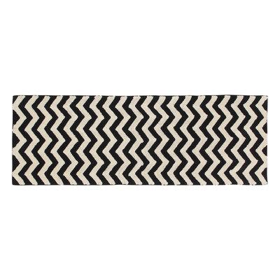 Lorena Canals - zig/zag  80 x 230 cm