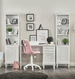 lora boekenkast