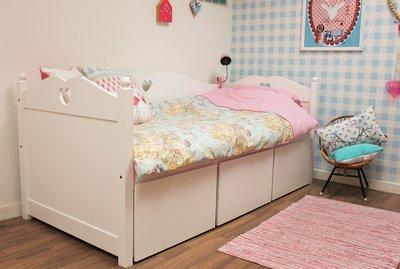 Emma Matras Kortingscode : Lilli furniture deurs emma kledingkast met hartje wit